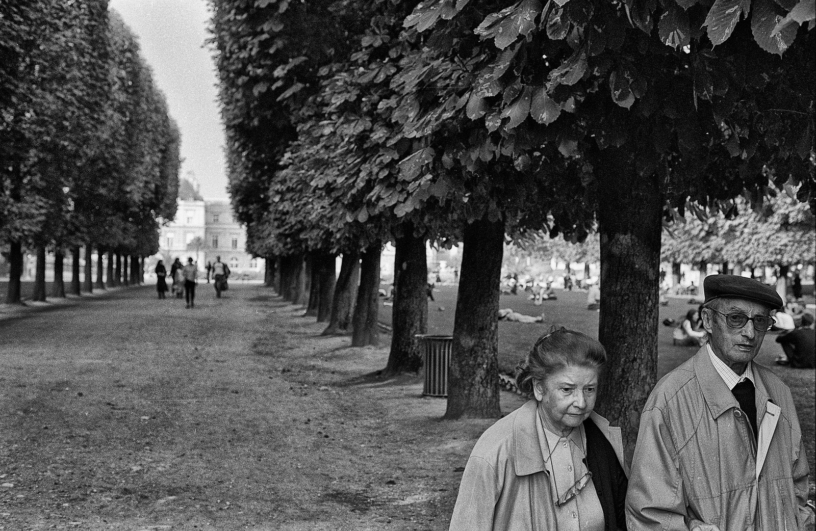 An elderly couple on a walk in Paris, 2004. Nikon F3HP, Nikkor 50mm f/1.8.